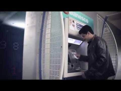 Haz depósitos en efectivo en los cajeros automáticos multifuncionales